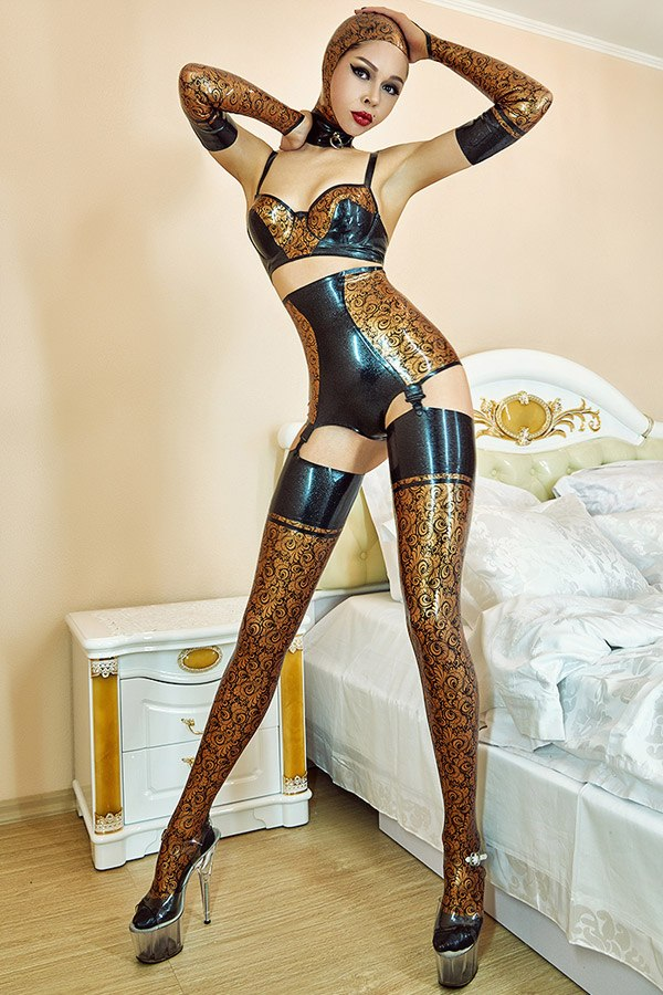 Latex lingerie set consisting of stockings, panties, gloves and bra