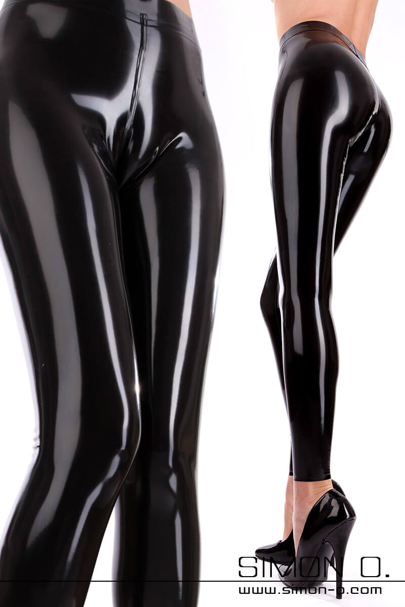 Black latex leggings for ladies with cameltoe effect and tight fit