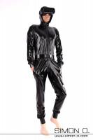 Vorschau: Latex Overall mit Kapuze und Taschen in Schwarz locker geschnitten aber tailliert mit Manschetten bei Armen und Beinen