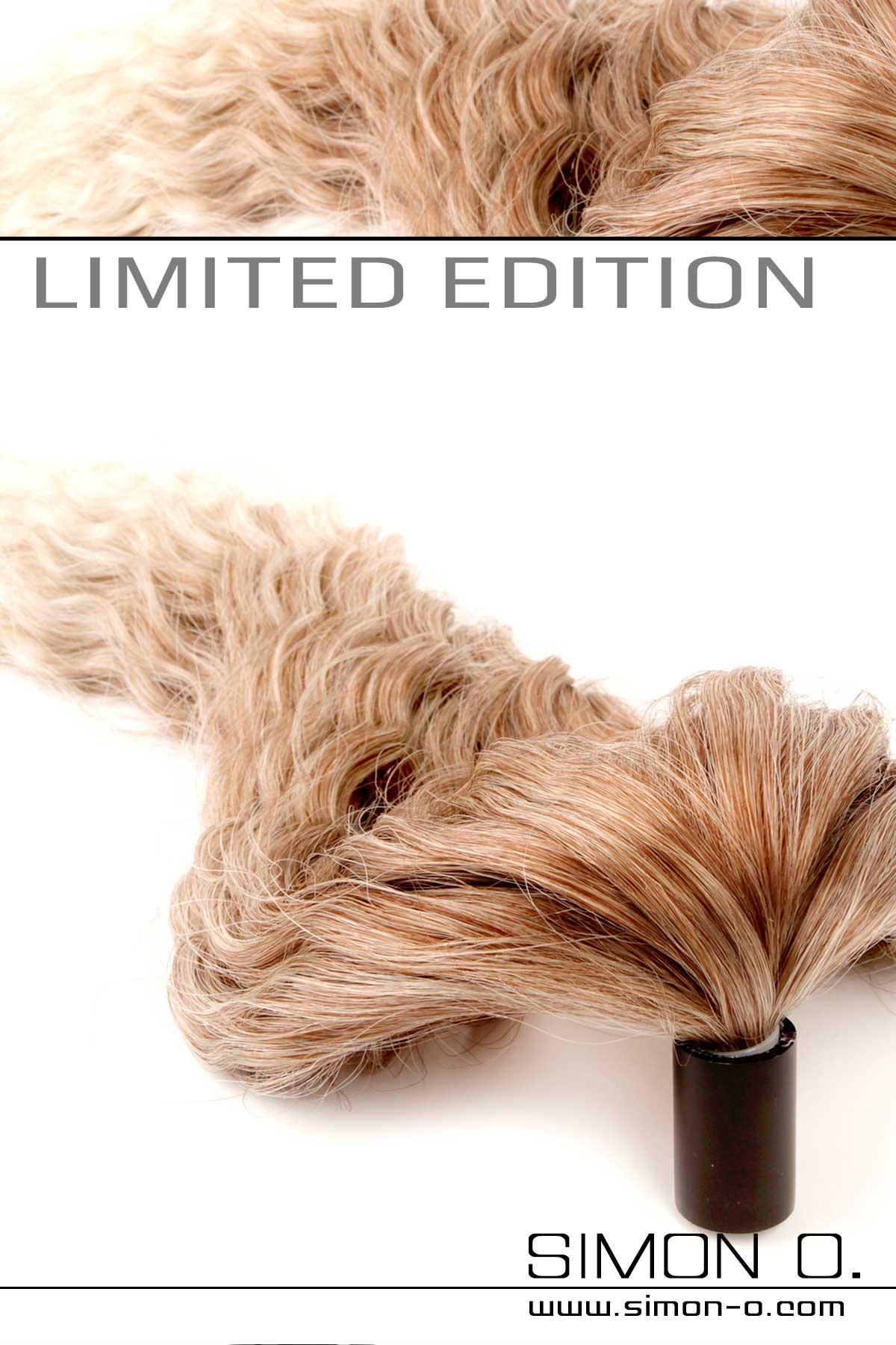 Wechselbare Latex Haarteile passend für alle Latex Masken Unsere hochwertig gefertigten Haarteile mit Sockel können Sie mit jeden unserer Tuben …