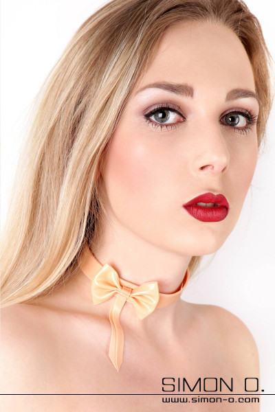 Collar your slave with this elegant latex collar with bow. Available in all colors, this latex collar will complement your latex lingerie to create the …