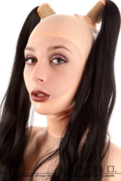 Latex Maske gesichtsoffen mit Vorbereitung für 2 Haarteile Dieses Modell mit zwei verstärkten Löchern ermöglicht es Ihnen unsere wechselbaren …