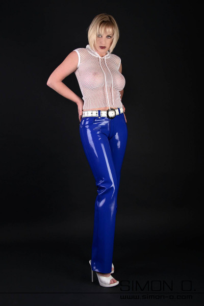 Latex Trousers in Comfortable Jeans Style Latex pants with straight leg made of latex with 0.5 mm thickness. The seams are double-edged as well as the pockets …