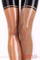 Vorschau: Latexstrümpfe im 50er Jahre Look Besonders erotische halterlose Latexstrümpfe aus feinem Latex geklebt. Natürlich können diese Latexstrümpfe auch mit …