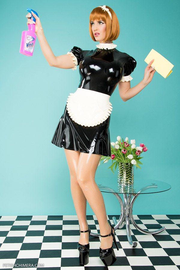 Latex Minikleid im Dienstmädchen Look Schwarz mit weißer Scjhürze