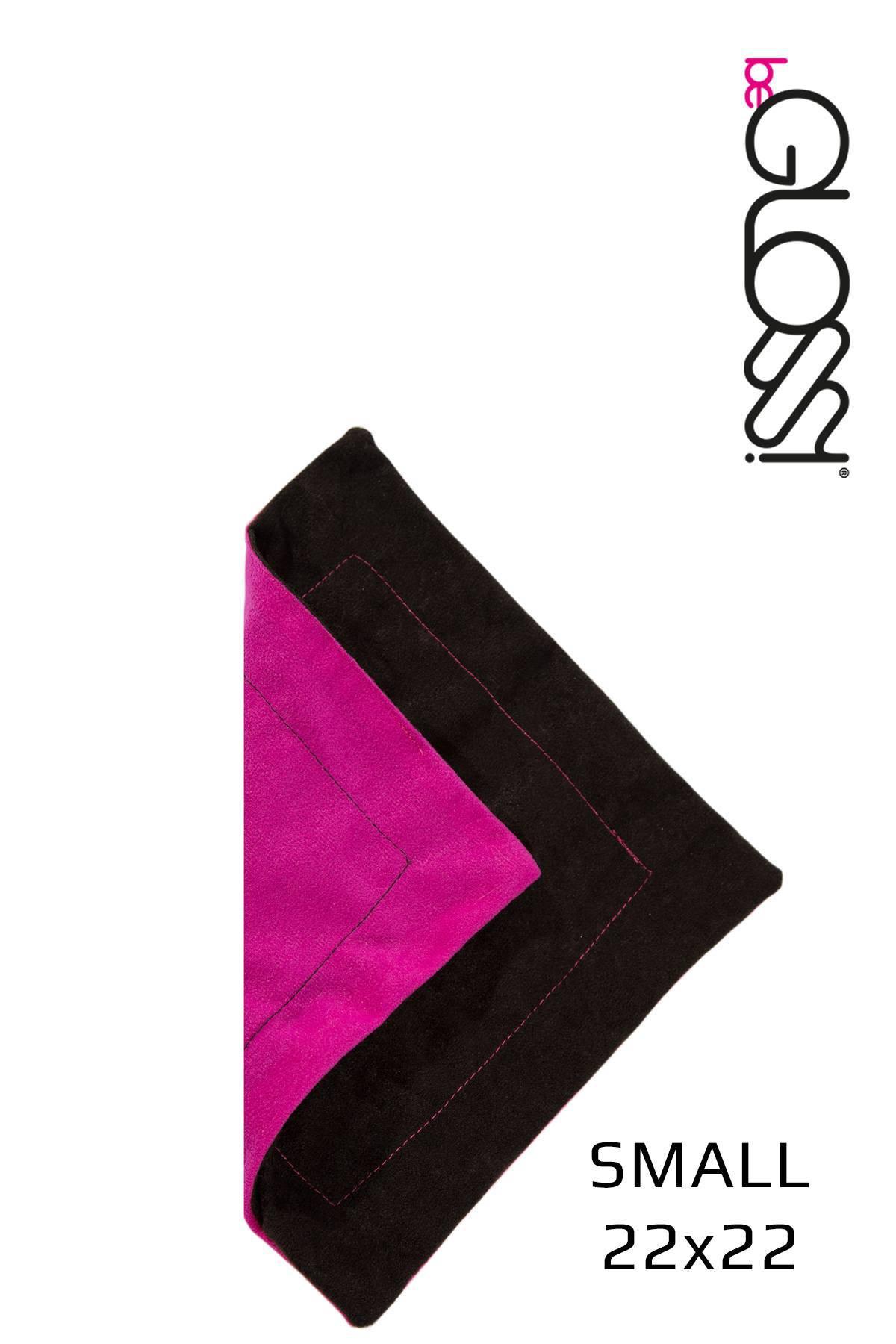 Kleines Poliertuch in Schwarz mit Pink für perfekten Glanz der Latex Kleidung von beGloss