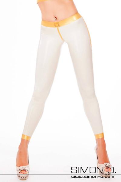 """Latex Cameltoe Leggings in der sportlichen Ausführung Diese besondere, hautenge Latex-Leggings besticht durch ihren sexy """"Cameltoe""""-Effekt. Die Leggings wird …"""