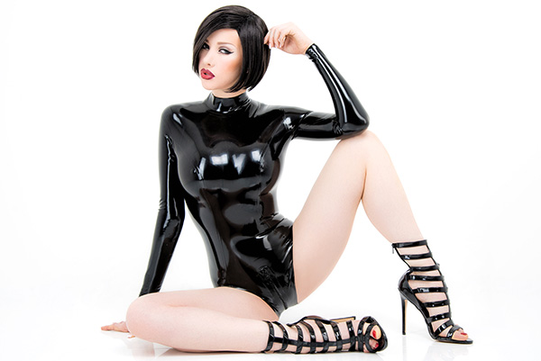 Skin tight shiny latex leotard in black with zipper in the crotch