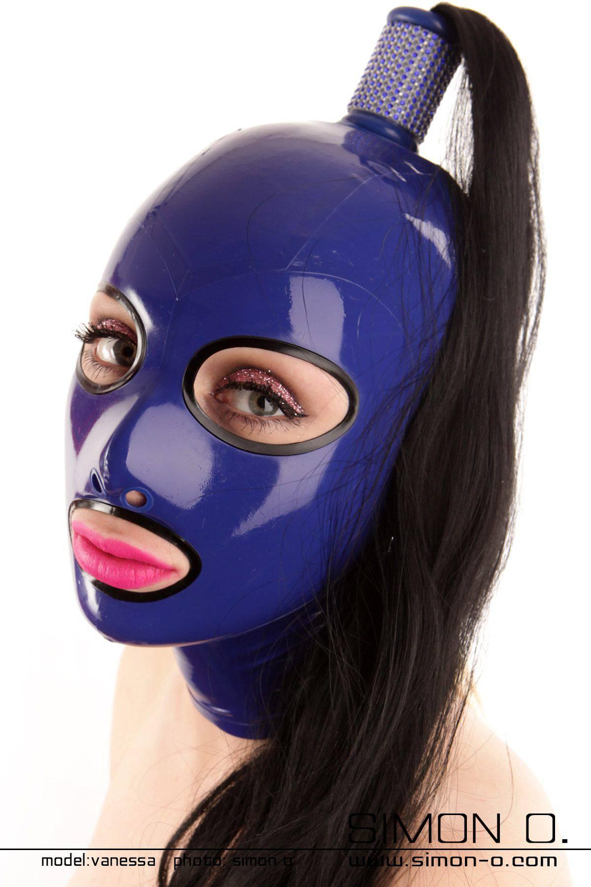 Latex Maske mit eingefassten Rundaugen vorbereitet für 1 Haarteil Die Augen und der Mund dieser Latex Maske sind mit nahtlos gegossenen Umrandungen …