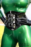 Vorschau: Latex Korsett mit Schloß absperrbar Latexmieder aus dicken Latex (2mm+) mit Zipp vorne. Dieses Latex Korsett ist nicht für die Taillenreduktion gedacht! …