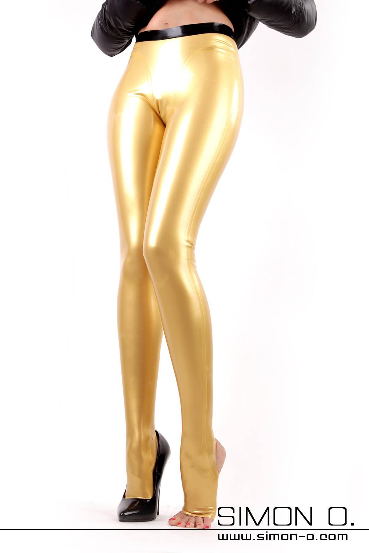 Latex Leggings mit Steg - fast schon eine Latexstrumpfhose Diese Variante der Latex Leggings ist mit unserem neuen Fußsteg ausgestattet. Der Steg ohne …