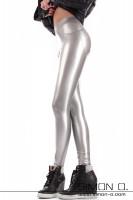 Vorschau: Eine hautenge glänzende Latex Leggings mit Push Up Effekt im Gesäßbereich in Silber