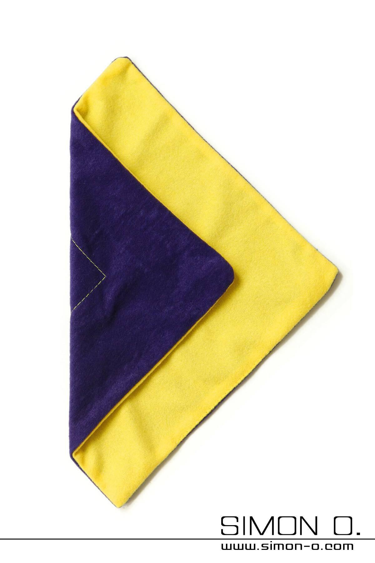 Polishing cloth for shiny latex clothing by Vivishine
