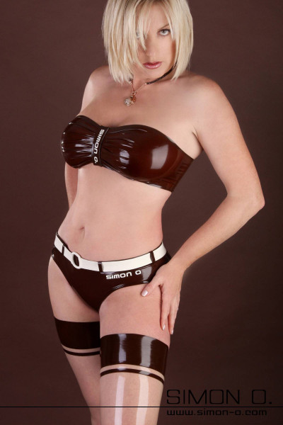 A very nice latex bikini swimsuit with high quality details and workmanship. During development, we placed great emphasis on elaborate workmanship. The latex …