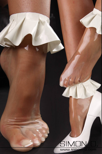 Short Latex Socks with Frills in your choice of colours These playful latex stockings with ruffle edging will be the perfect finishing touch to any fun and …