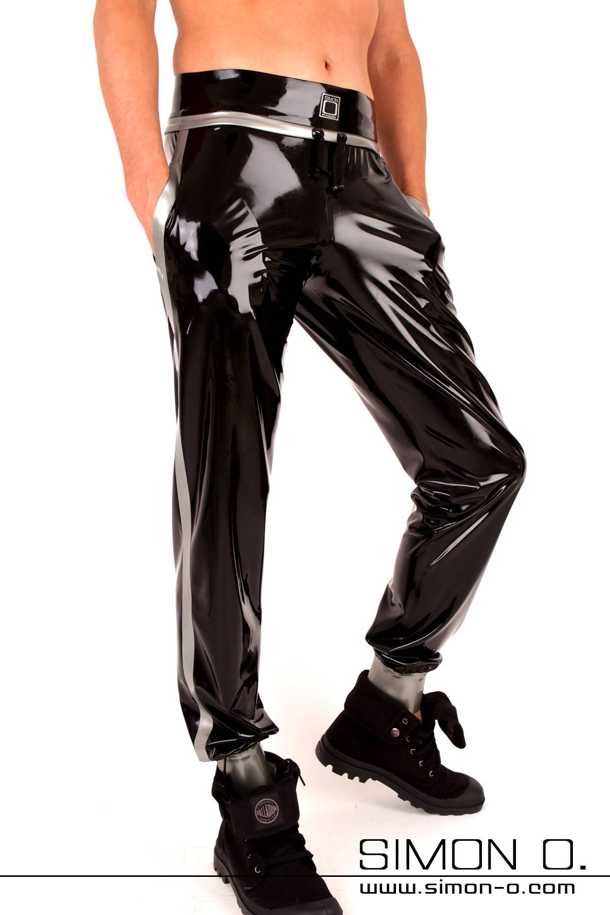 Glossy fitness pants for men with pockets in black with silver