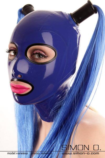 Latex Maske mit eingefassten Rundaugen vorbereitet für 2 Haarteile Die Augen und der Mund dieser Latex Maske sind mit nahtlos gegossenen Umrandungen …