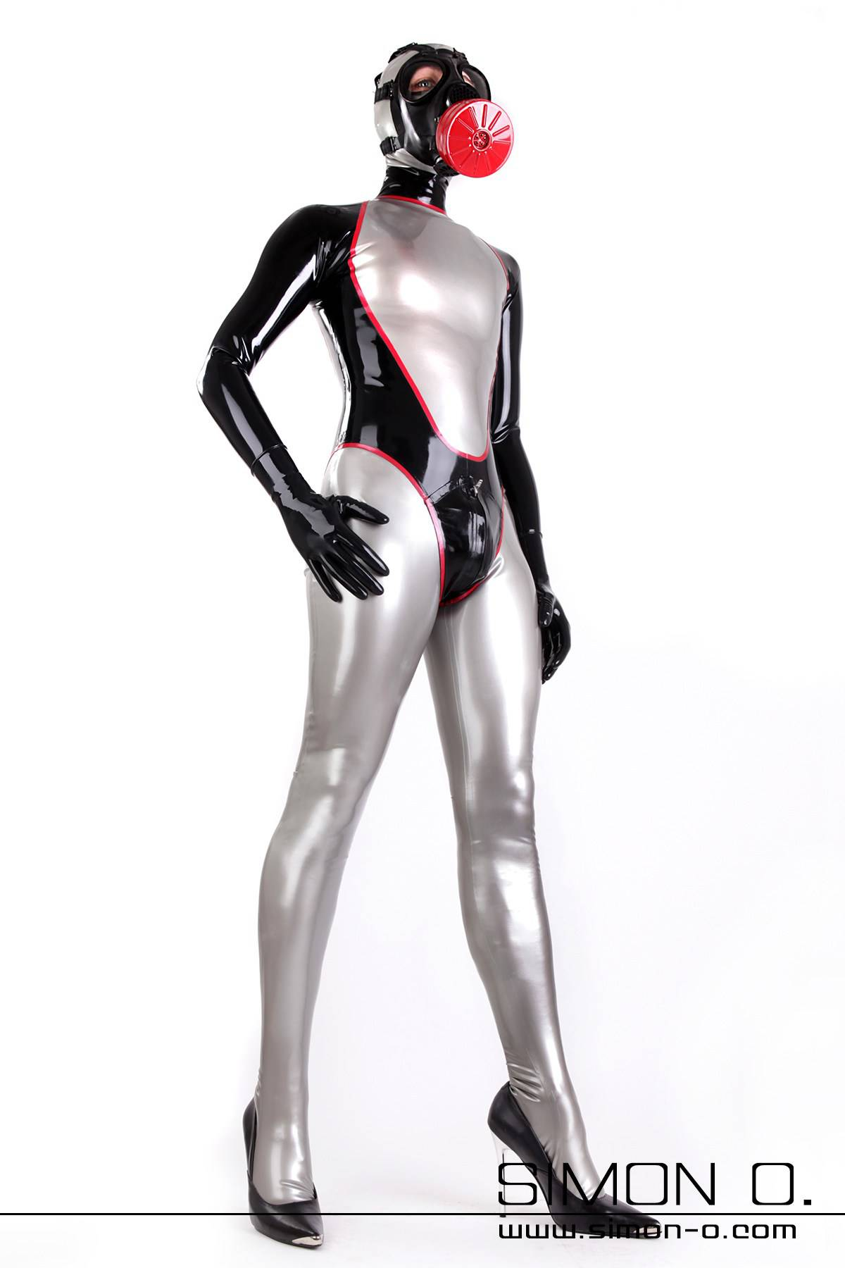 Latex suit in silver with zipper in the back