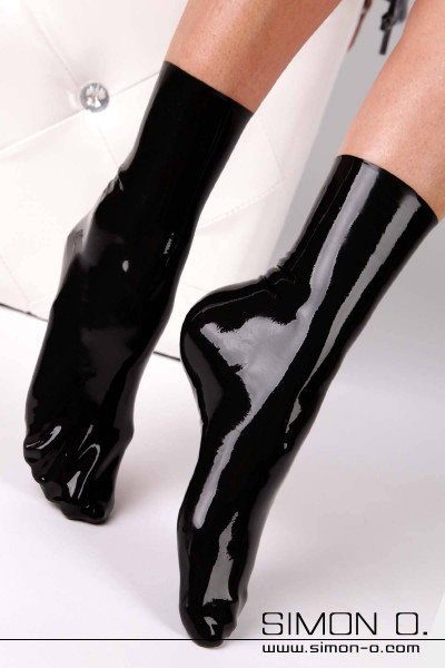 Latex socks in black shiny latex