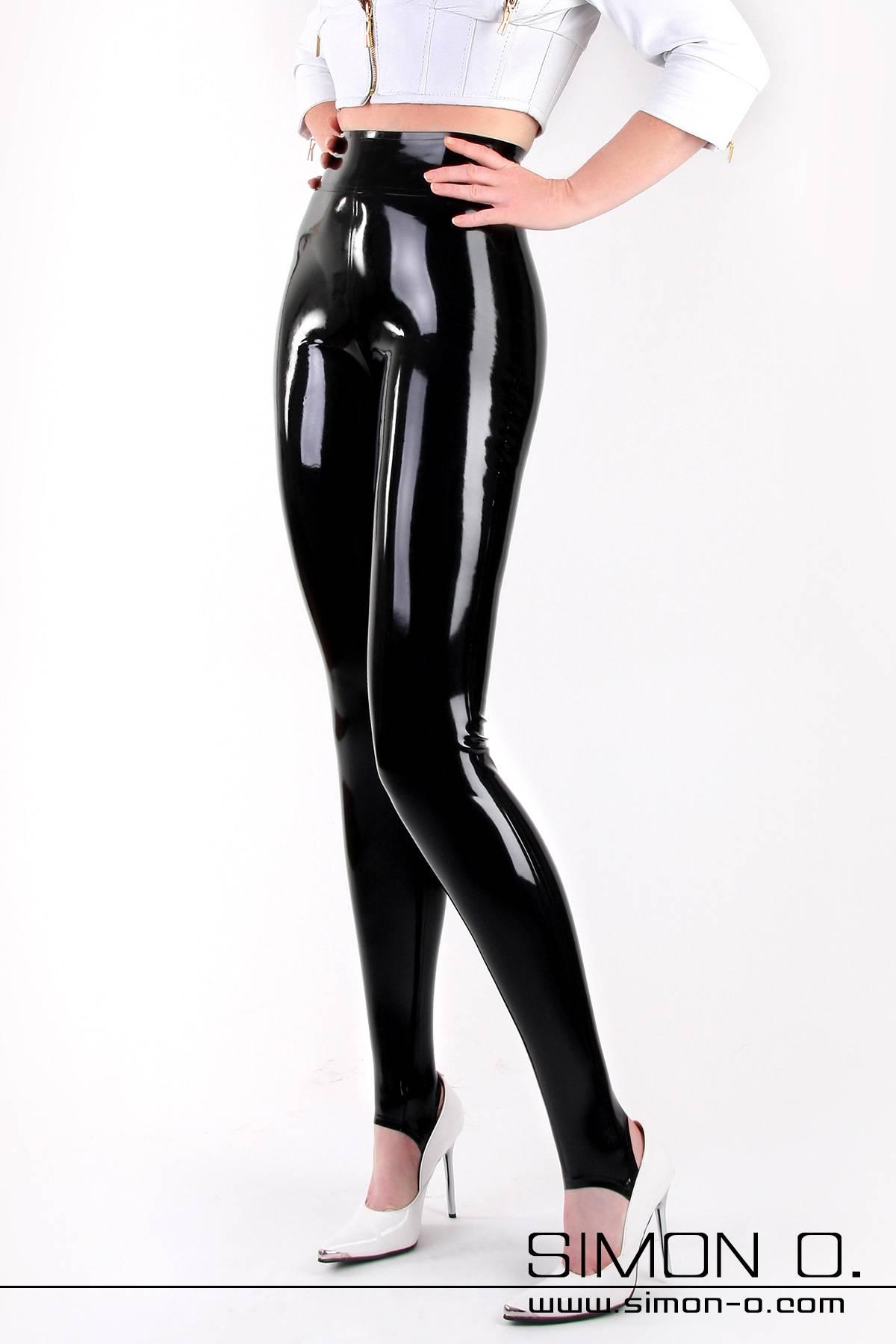 Latex Legging mit hoher Taille Hautenge Latex Leggings mit doppelt umrandeten verstärktem 10 cm hohen Bund. Als Option ist bei dieser Latex Leggings natürlich …