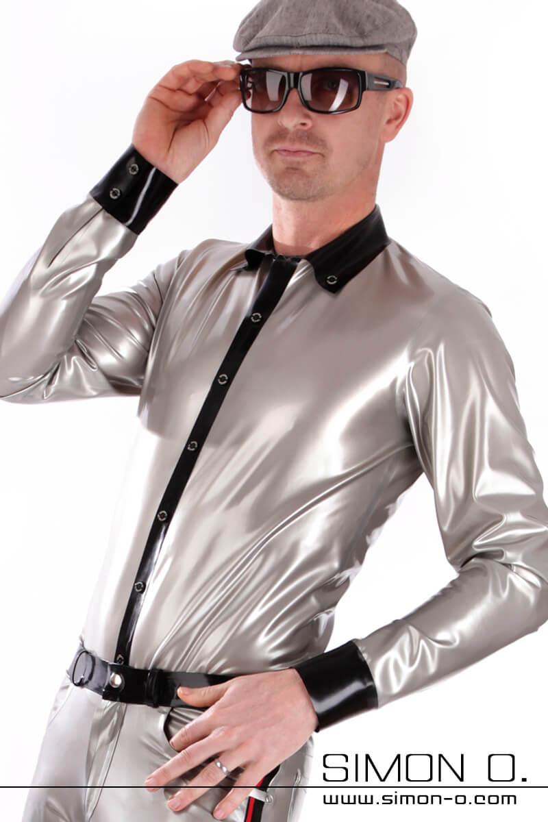Glänzendes Latex Herren Hemd in Silber mit Knopfleiste und Reverskragen in Schwarz