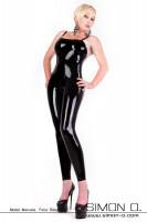 Vorschau: Eine blonde Dame trägt einen hautengen glänzenden latex catsuit in Schwarz. Ohne Ärmel Schulterfrei nur mit Träger