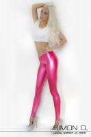 Vorschau: Latex Leggings hüfthoch geschnitten Latex Leggings extrem hüftig geschnitten mit verstärktem hohen Bund und eingerandeten Beinabschlüssen. Als Option ist ein …