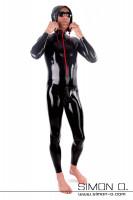 Vorschau: Ein Mann in einem schwarzen Latexanzug mit Kapuze. Der hautenge Anzug hat einen roten Zipp vorne.
