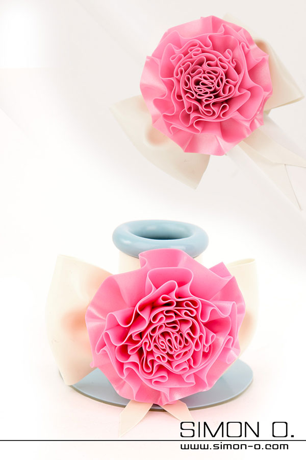 Flower for latex mask tube