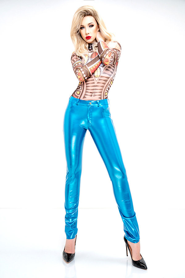 Tight shiny ladies latex jeans in blue