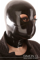 Vorschau: Eine Frau mit Latex Maske trägt einen Mund und Nasenschutz in Schwarz über ihrer Latex Maske.