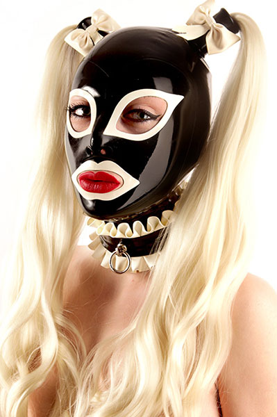 Latex Maske Dienstmädchen Look