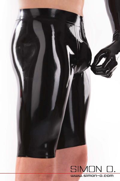 Schwarze Latex Bemuda Shorts mit weißen Bund und Zipp im Schritt