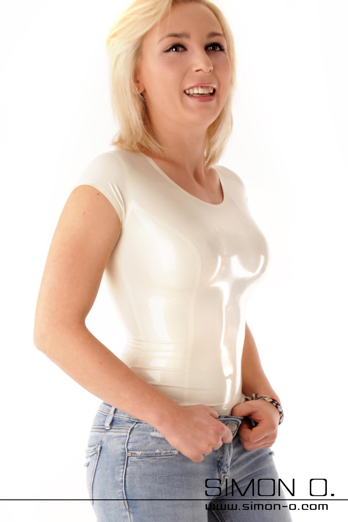 Latex Damen Shirt mit Rundausschnitt – in vielen Farben erhältlich Ein hauteng anliegendes Latex Shirt für Damen, welches sexy, frech und modisch ist. Dieses …