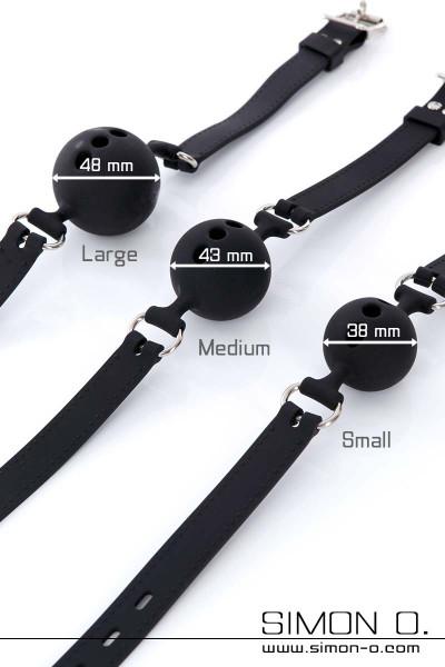 Schwarzer Ballknebel mit 3 Löchern für Atmung