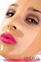 Vorschau: Latex Maske mit transparenten Gesicht Glänzend Transparent legt sich das dünne dursichtige Latex dieser Latex Maske auf Ihr Gesicht. Augen und Mund sind …
