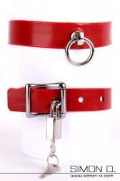 Vorschau: Rotes Latex Halsband mit einem silbernen O-Ring inklusive absperrbarem Miniatur Vorhängeschloss