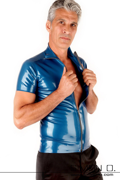 Latex shirt for men with divisible zipper Short-sleeved latex shirt with divisible zip and stand-up collar. Available in many colors. Also, the color of the …