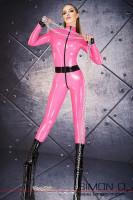 Vorschau: Ein Model trägt einen hautengen Latex Catsuit mit schwarzen Zipp vorne und einem schwarzen Gürtel. Dazu trägt Sie schwarze High Heel Boots.