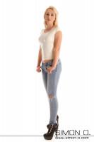Vorschau: Latex Damen Shirt mit Rundausschnitt – in vielen Farben erhältlich Ein hauteng anliegendes Latex Shirt für Damen, welches sexy, frech und modisch ist. Dieses …