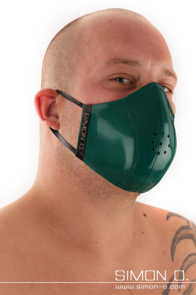 Mouth and nose protection - reversible mask - wearable on both sides Limited edition in the color Forest Green combined with black. This stylish mouth and …